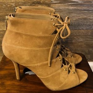 🔥🔥🔥 Vince Camuto Bootie🔥🔥🥰
